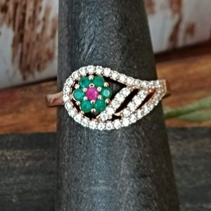 Jewelry - Antique Emerald & Topaz Ring